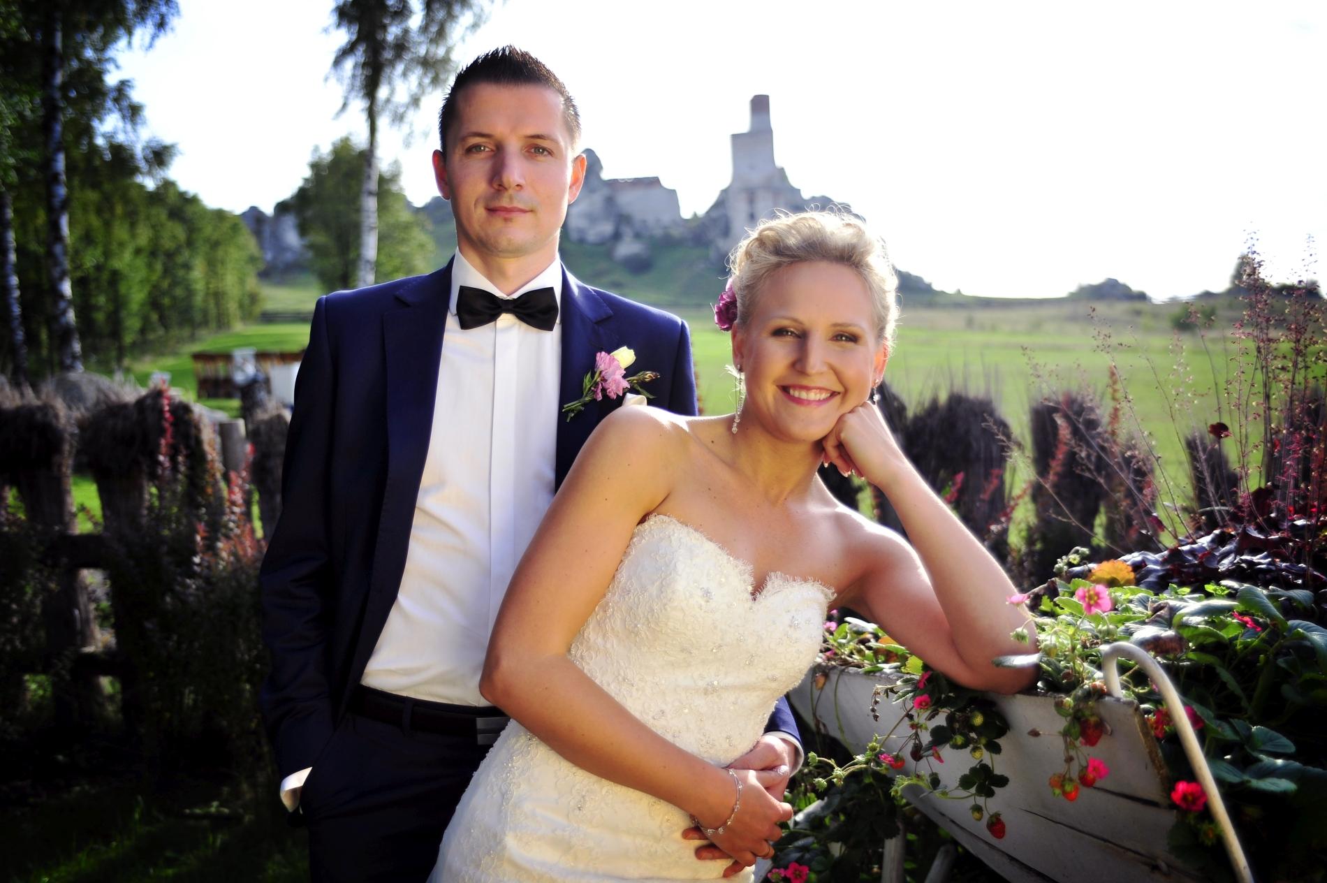 Zdjęcie z sesji ślubnej, nowożeńcy