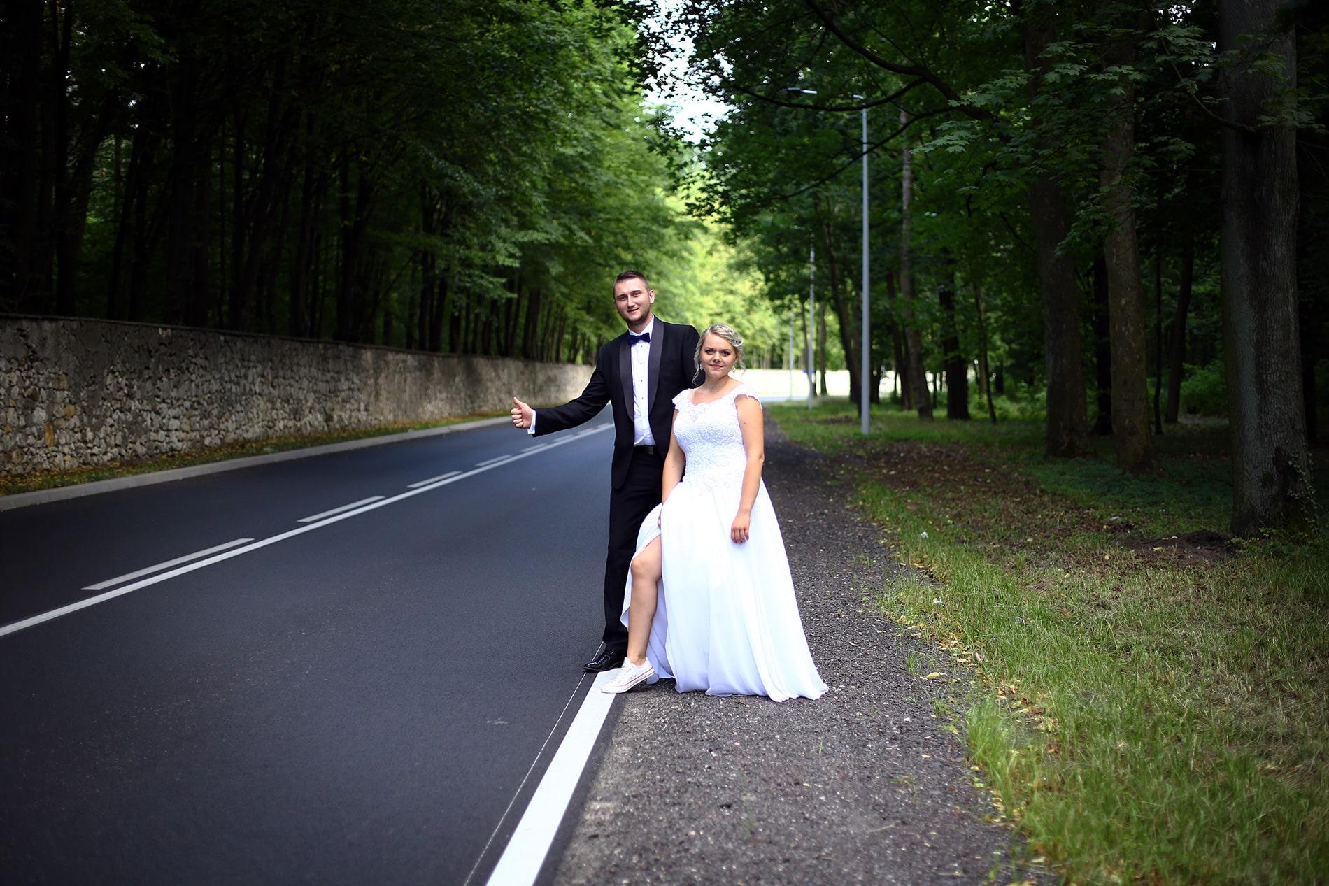Zdjęcie z sesji ślubnej w plenerze